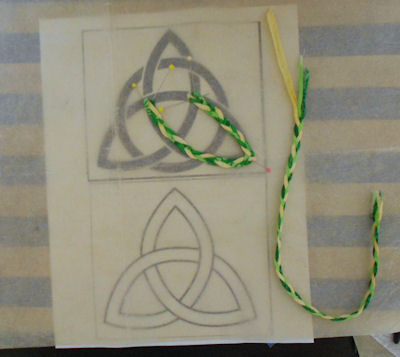 How to put braided bias into a Celtic knot.