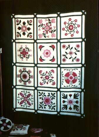 Rose of Sharon opportunity quilt from 1986.