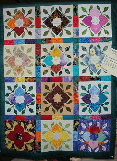 Bette Lee's finished quilt Friends & Friendship Around the World.